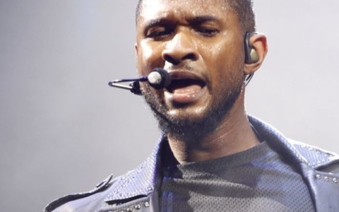 Usher Performs In Philadelphia