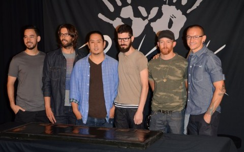 Linkin Park Inducted Into Guitar Center's RockWalk