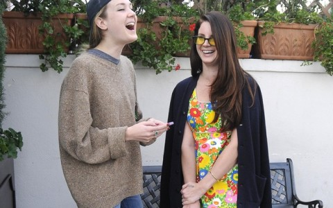 Lana Del Rey Lunches At Il Pastaio With Her Sister
