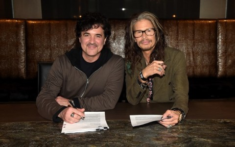 Steven Tyler Signs With Big Machine Label Group