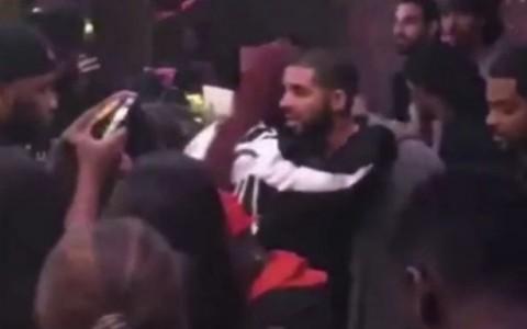 Rihanna-and-Drake-seen-hugging