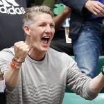 Ponosni dečko: Ana Ivanović u Schweinsteigerovom zagrljaju proslavila prolazak u polufinale Roland Garrosa