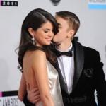 """Slučajnost? Selena i Justin """"izazivaju"""" fanove fotkama pod tušem"""