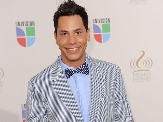 Univisions Premio Lo Nuestro a La Musica Latina