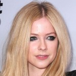 Avril Lavigne: Informacije iz bolnice o njenom zdravstvenom stanju!