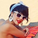 Večita dilema: Nositi šminku na plaži ili ne?!